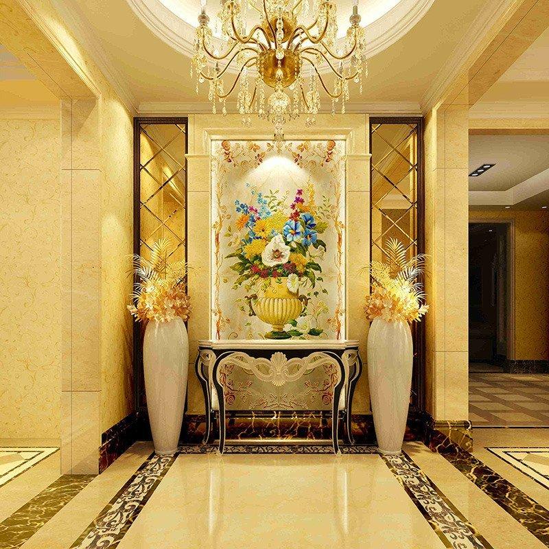 Hallway - Liz